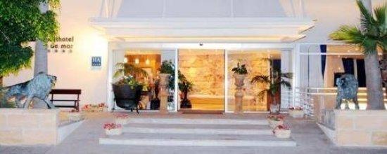 COOEE Aparthotel & Suites Cap de Mar