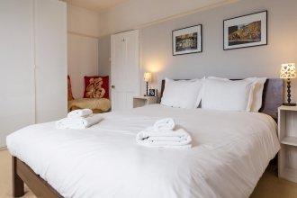 2 Bedroom House with Garden - Sleeps 6