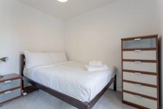 1 Bedroom Apartment Near Surrey Quays