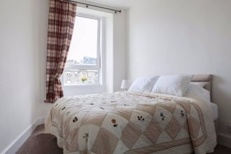 1 Bedroom Apartment In Edinburgh's New Town