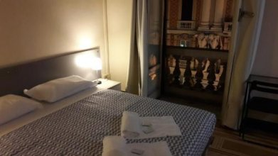 Check-Inn Rooms 19