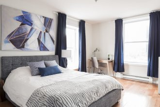 MTLVacationRentals - Suite Mont-Royal - 3 queen beds, 1,5 Ba