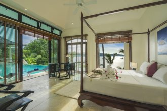 Beach Front Luxury Villa Hai Leng