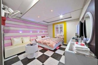 Cheongbaek Motel