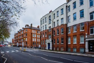 Fulham Large 1 bed Flat in Charming Building