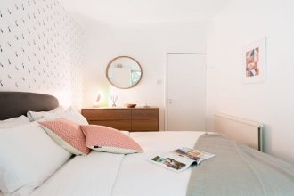 The Kensington Grove - Stylish 2bdr Flat With Private Patio