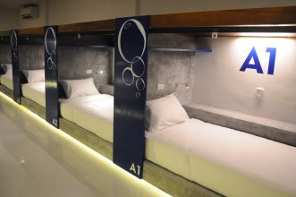 Oasis Hotel-Pods - Adults Only