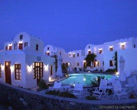 Nikos Villas Hotel in Oia Santorini