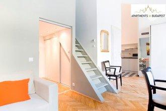 Opera Mezzanine Apartment-high ceiling, A/C,