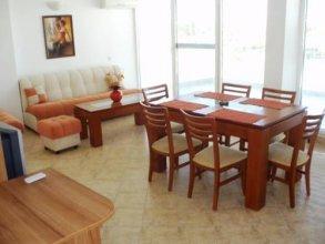 Tomi Family Apartments