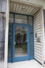 Charming Acropolis Metro Apartment