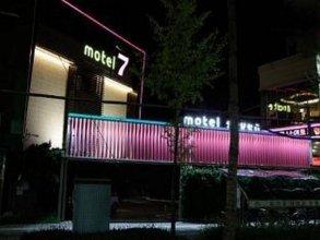 Seven Motel