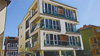 Studio Apart Hotel