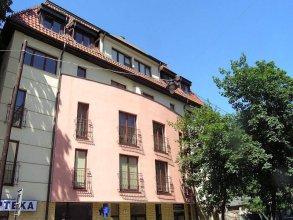 KrakowRentals - Trinity Apartment