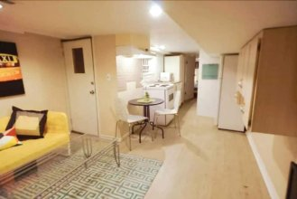 3 Bedrooms Suite near Kensington Market – Unit 2
