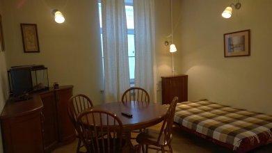 Apartamenti na Kronvekskom