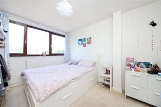 3 Bedroom Hoxton Flat Close to Bustling Shoreditch