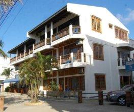 Hotel Y Restaurante Cesar Mariscos