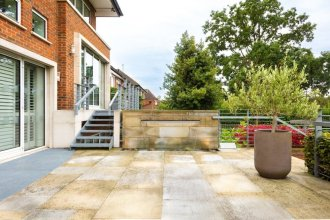 The East Finchley Retreat - 6bdr House With Swimming Pool, Garden, Parking