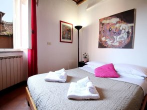 Charming Bright Penthouse in Trastevere