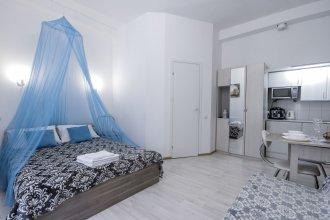Studio apartment on 13 Liniya