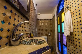Riad Taha - Fassia Room