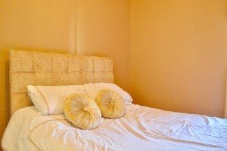 Central 1 Bedroom Flat Sleeps 2