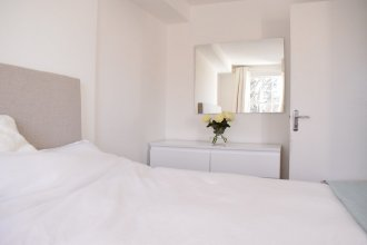 1 Bedroom Flat in Angel With Balcony
