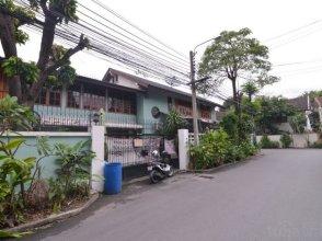 F2t2 Apartment