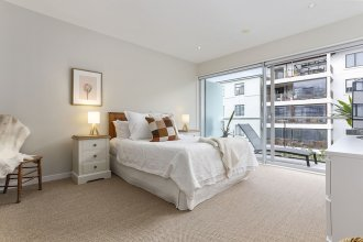 Wondrously Spacious 2 bdrm in Fantastic Location by Urban Butler