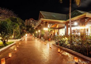 casino maho beach