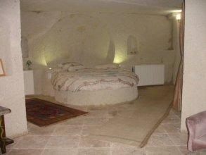 Wonderland Cave Hotel