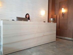 Redline Hotel