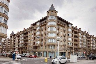 Playa de Ondarreta Apartment by FeelFree Rentals
