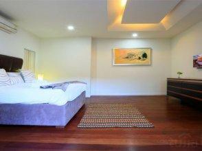 Luxury 9 bedroom pool villa city centre walking street