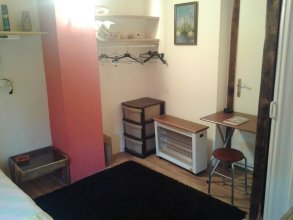 Studio in Belgrade, With Wonderful City View, Enclosed Garden and Wifi - 2 km From the Beach