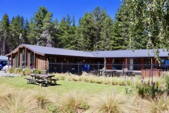 Lakefront Lodge Backpackers