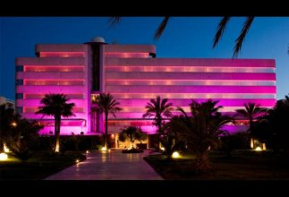 El Hotel Pacha – Includes entrance to Pacha Club