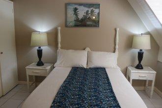 Island Suite at Hermosa Village