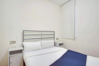 Great 2 Bed Next to Arc de Triomf