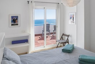 Beachclose Apartment with Large Terrace And Pool Ref 6
