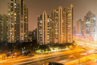 Henry's Apartment- Xujiahui Road