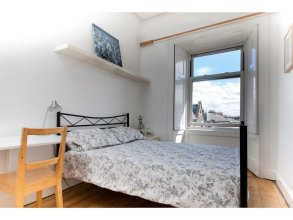 Stylish/spacious/central! Fab Festival Flat For 4