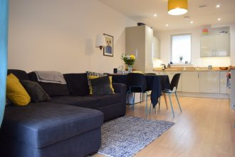 South London 1 Bed Flat with Balcony