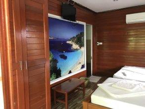 Floating Island Seafood & Resort