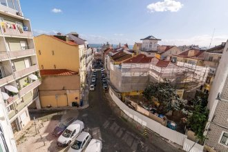 Bright 2BR Apartment in the Heart of Graça