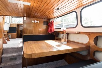 Authentic Houseboats Amsterdam