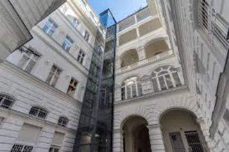 Large Central Apartments Kálmán Imre