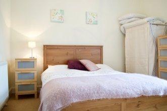 1 Bedroom Flat In Meadowbank