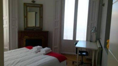 Apartamentos Palacio Real 789